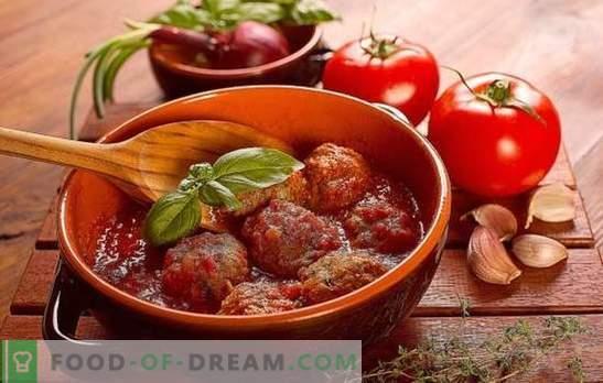 Erizos en salsa de tomate en una sartén, en el horno, en una olla de cocción lenta. Recetas de erizos en salsa de tomate con arroz, cebada, papas, repollo