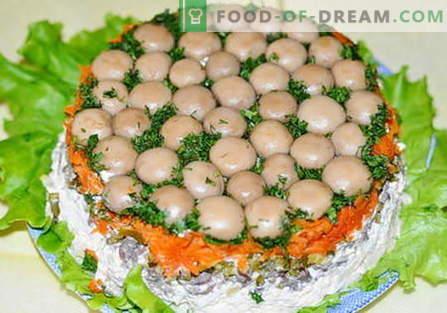 Mushroom Glade Salad - las mejores recetas. Cómo cocinar correctamente y sabroso cocinar glade ensalada.