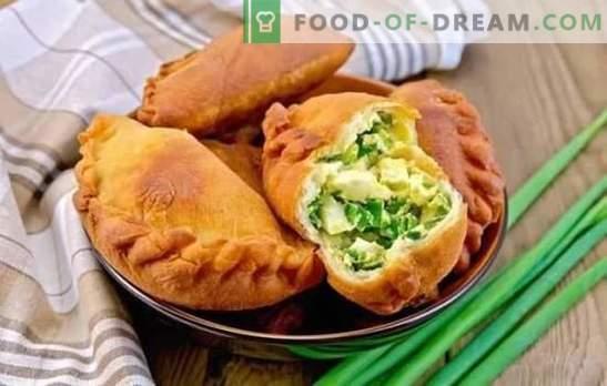 Empanadas con cebolla y huevos (receta paso a paso) es una pastelería favorita. Empanadas con cebolla y huevo: frito o cocido al horno