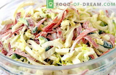 Ensalada con repollo fresco y salchichas - las mejores recetas. Cocinamos correctamente la ensalada del repollo fresco con salchicha.