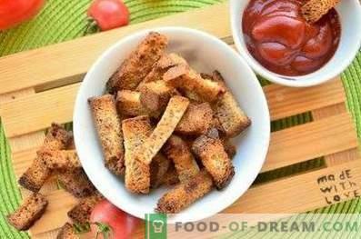 Cracker di segale con aglio nel forno