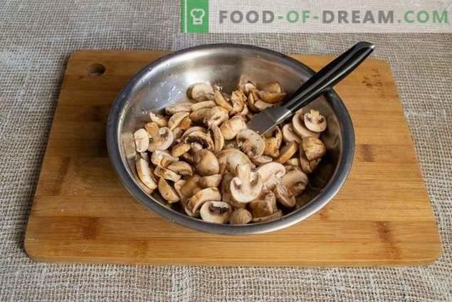 Rollos de coles al vapor vegetarianos de col de savoy