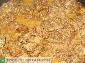 Hígado de res guisado en crema agria